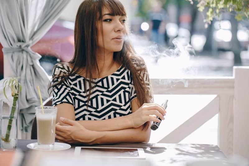 CBD-Blüten-rauchen-Verdampfen